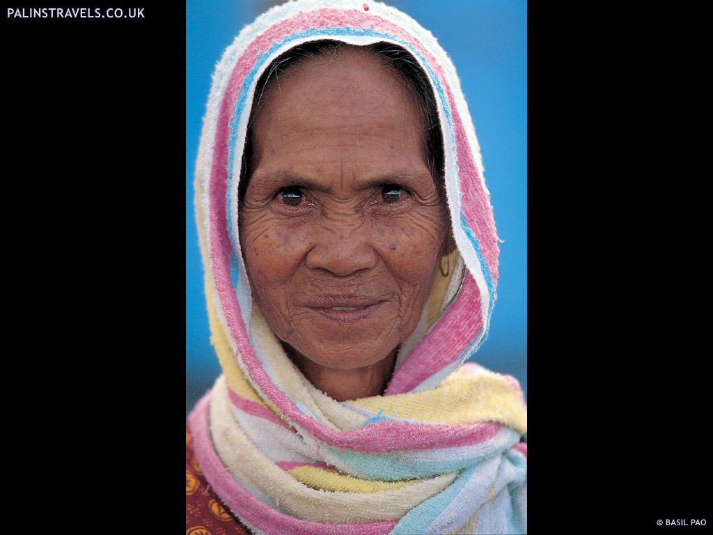 Palin 39 s travels full circle kuching sarawak borneo for Home wallpaper kuching